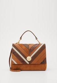 Coccinelle - LIYA CHEVRON MED SATCHEL - Handbag - multi/ caramel - 1