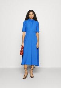 Closet - TIE BACK A LINE DRESS - Kjole - blue - 1