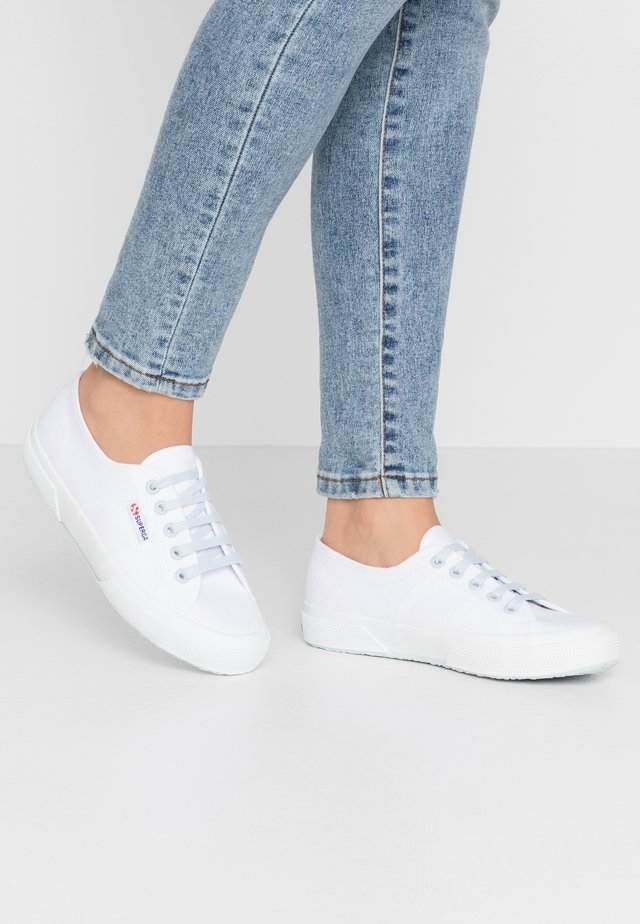 2750 - Sneakers basse - white/blue/light crysta