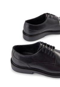 Shoe The Bear - Zapatos con cordones - schwarz - 4