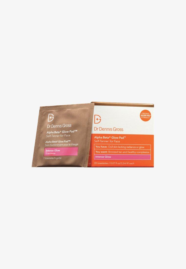 Dr Dennis Gross - ALPHA BETA® GLOW PAD INTENSE FOR FACE 20 PACK - Self tan - neutral