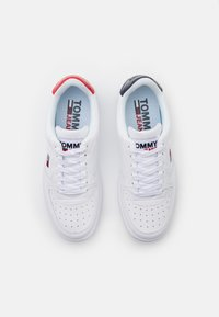 Tommy Jeans - BASKET  - Trainers - white - 5