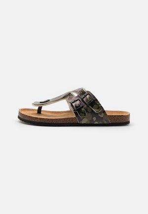 PENTLE - Sandály s odděleným palcem - khaki