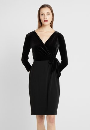 CLASSIC DRESS COMBO - Shift dress - black
