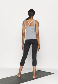 Nike Performance - THE YOGA LUXE TANK - Top - particle grey - 2