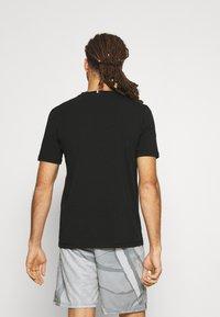 Tommy Hilfiger - BLOCKED TEE - Print T-shirt - black - 2