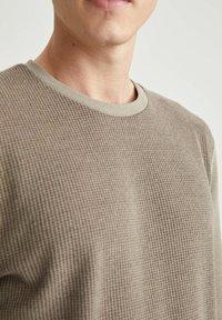 DeFacto - Sweatshirt - khaki - 4