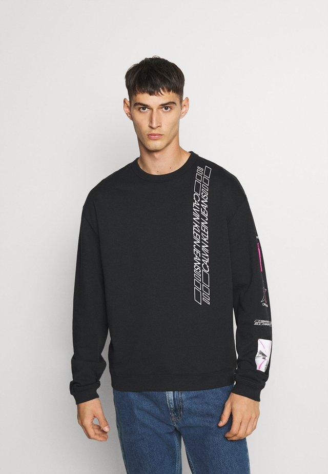 SLEEVE PRINT CREW NECK - Sweatshirt - black