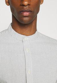 Selected Homme - SLHSLIMMILTON STRIPES - Formal shirt - sky blue - 4