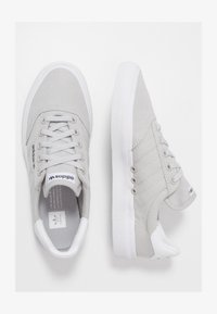 adidas Originals - 3MC - Trainers - lgsogr/lgsogr/ftwwht - 1