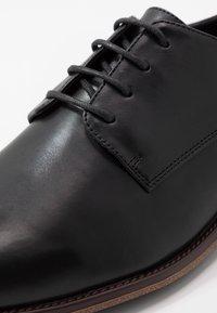 Pier One - Elegantní šněrovací boty - black - 5