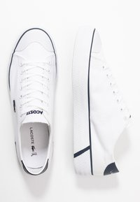 Lacoste - GRIPSHOT - Trainers - white/navy - 1
