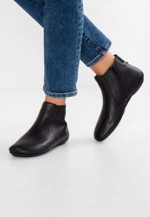 RIGHT NINA - Botines bajos - black