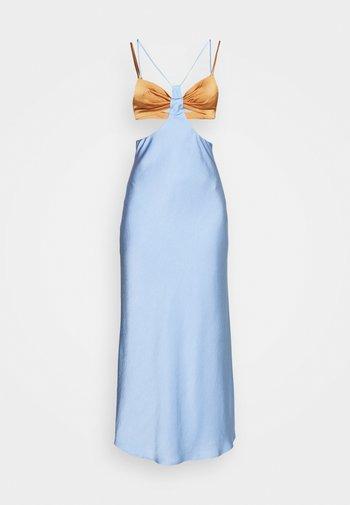 RAQUEL CUT OUT DRESS - Maxikjole - baby blue