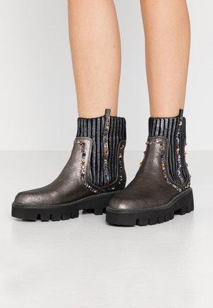 Platform ankle boots - pewter