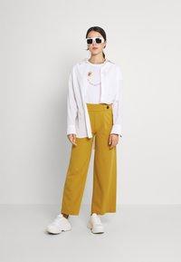 JDY - JDYGEGGO NEW LONG PANT - Pantaloni - harvest gold - 1