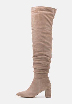 Overknee laarzen - beige