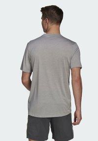 adidas Performance - Basic T-shirt - medium grey heather/white - 2