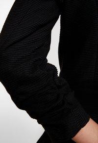 Vero Moda - VMINEZ 3/4 ZIP - Blazer - black - 4