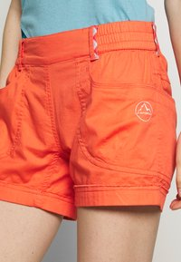 La Sportiva - ESCAPE SHORT - Sports shorts - flamingo - 4