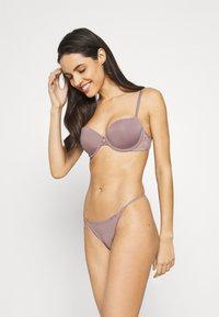 Calvin Klein Underwear - LINED BALCON - Kaarituelliset rintaliivit - plum dust - 1