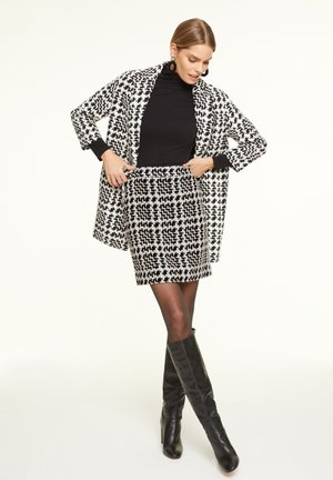 Pencil skirt - black big houndstooth