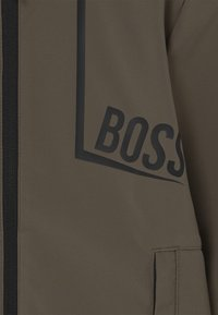 BOSS Kidswear - Sportovní bunda - khaki - 2