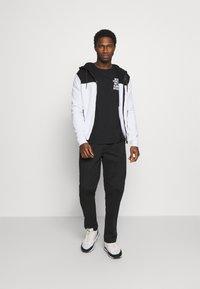 Pier One - Zip-up hoodie - black - 1
