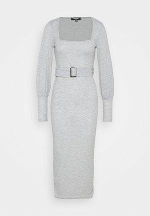 SQUARE NECK SELF BELT MIDAXI DRESS - Jerseykjole - grey