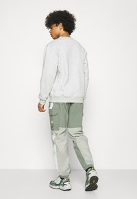 The North Face - STEEP TECH LIGHT PANT - Pantalones cargo - agave green/wrought iron/green mist - 2