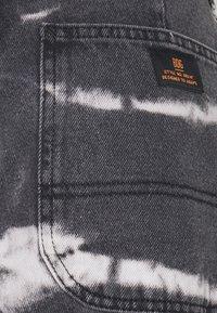 BDG Urban Outfitters - JUNO JEAN - Vaqueros rectos - tie dye - 2