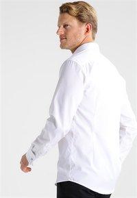 Eton - SLIM FIT - Camisa elegante - white - 2