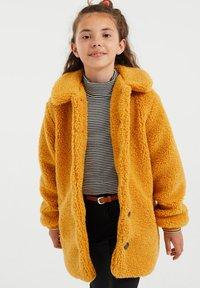 WE Fashion - TEDDY  - Abrigo de invierno - ochre yellow - 1