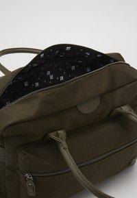 Kidzroom - DIAPER BAG KIDZROOM FRIENDLY - Sac à langer - army - 2