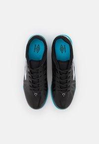 Umbro - VELOCITA VI CLUB IC - Indoor football boots - black/white/cyan blue - 3