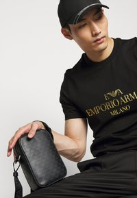 Emporio Armani - Across body bag - black - 0