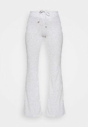 TIE FLARE - Spodnie treningowe - grey marl