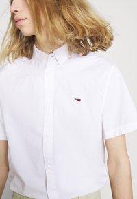 Tommy Jeans - LIGHTWEIGHT - Košile - white - 5