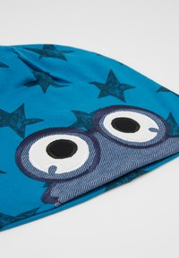 Fred's World by GREEN COTTON - STAR PEEP BEANIE - Pipo - deep blue - 2