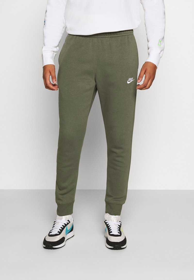 Nike Sportswear - CLUB - Tracksuit bottoms - twilight marsh/white