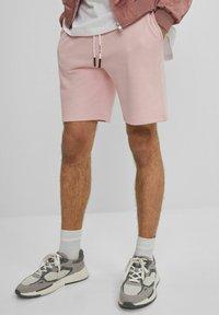 Bershka - MIT PRINT - Shorts - pink - 0