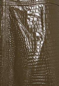 Lovechild - ELOISE SKIRT - Leather skirt - desert palm - 2
