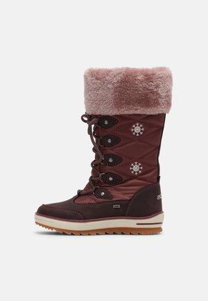 Winter boots - oxblood