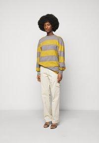Han Kjøbenhavn - BOXY TEE - Long sleeved top - yellow - 1