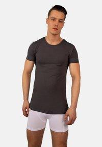 Bandoo Underwear - 2PACK - Undershirt - grey, dark grey - 2