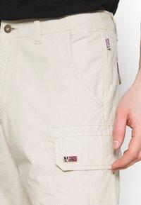 Napapijri - NOTO - Shorts - dove grey - 3