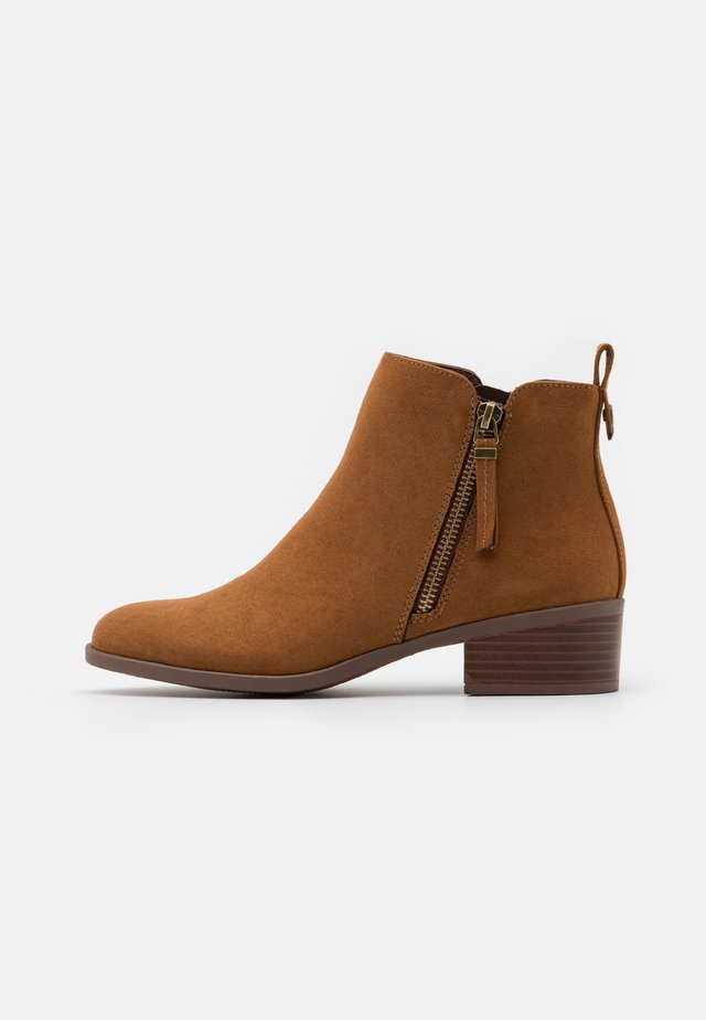 MACRO SIDE ZIP BOOT - Boots à talons - tan
