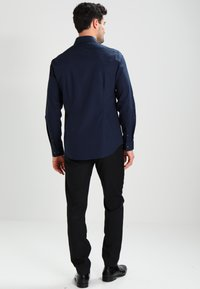 Calvin Klein Tailored - BARI SLIM FIT - Zakelijk overhemd - blue - 2