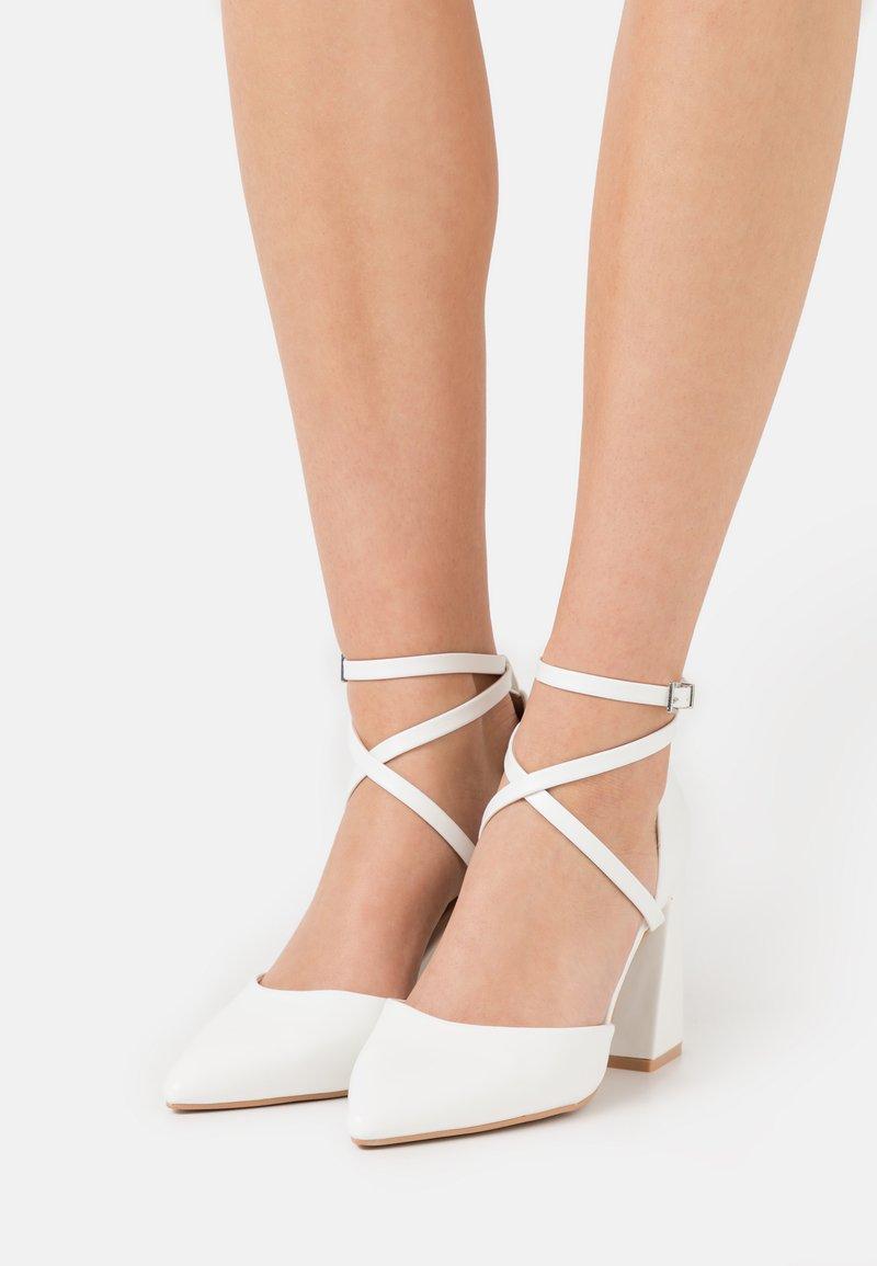 RAID - LIANNI - Escarpins à talons hauts - white