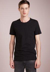 DRYKORN - KENDRICK - T-shirt basic - black - 0